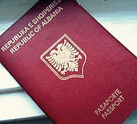 Lindita tashmë mepasaportëShqiptare