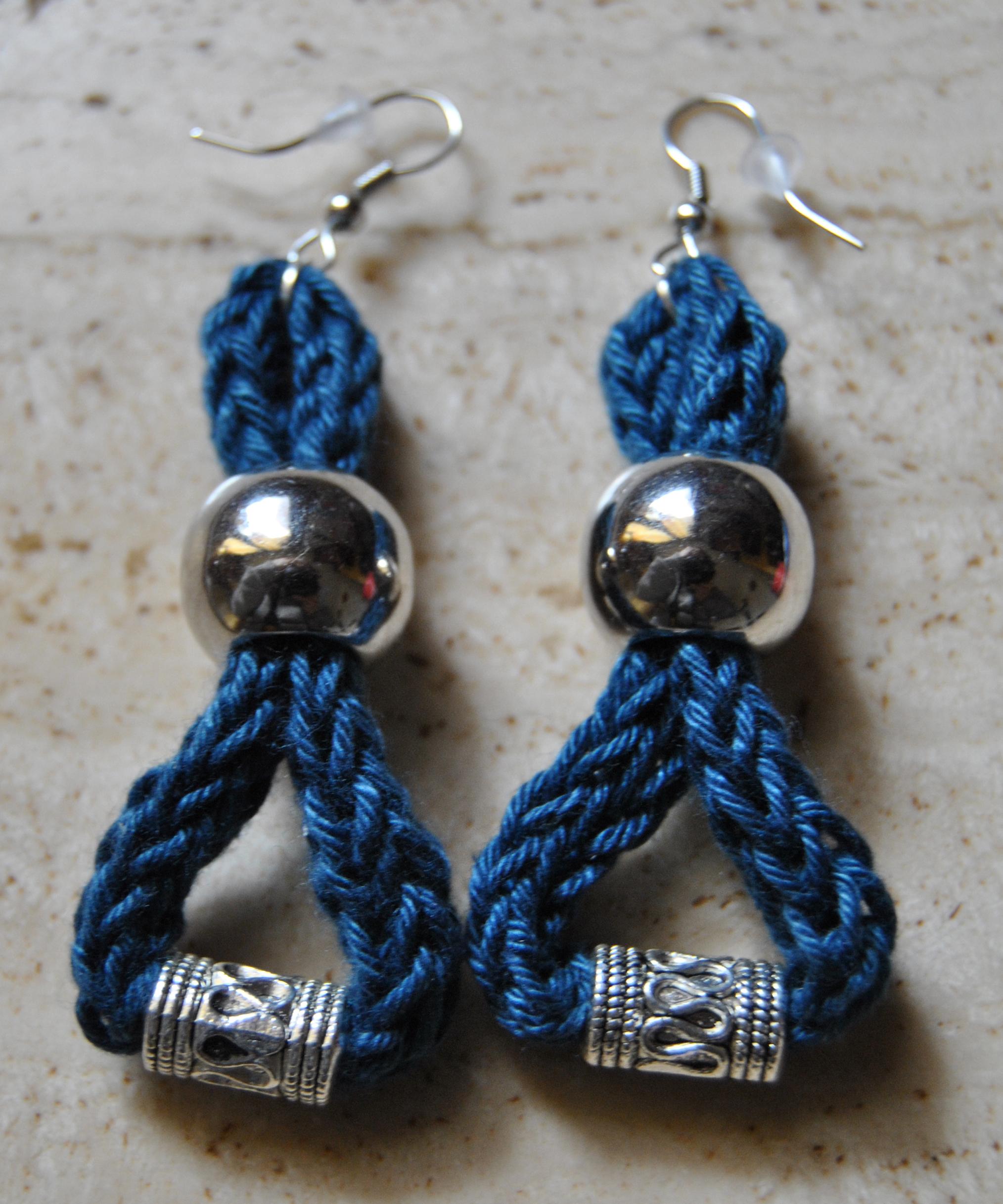 orecchini blu goccia