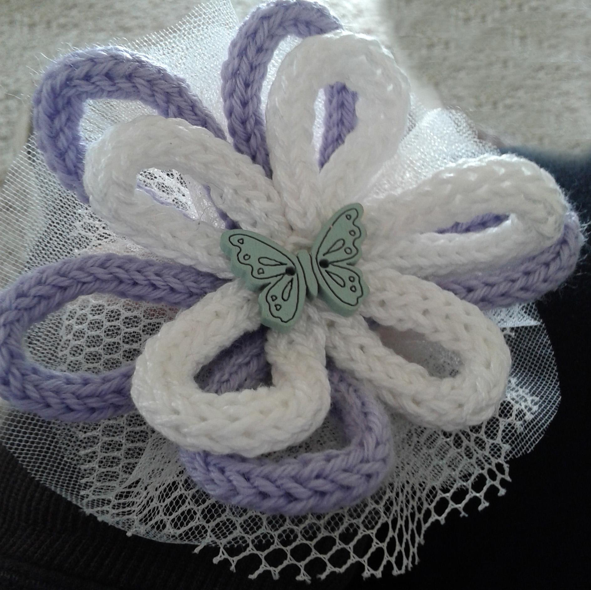 bomboniera fiori tricotin e farfalla