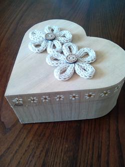 Bomboniera fiori tricotin scatola
