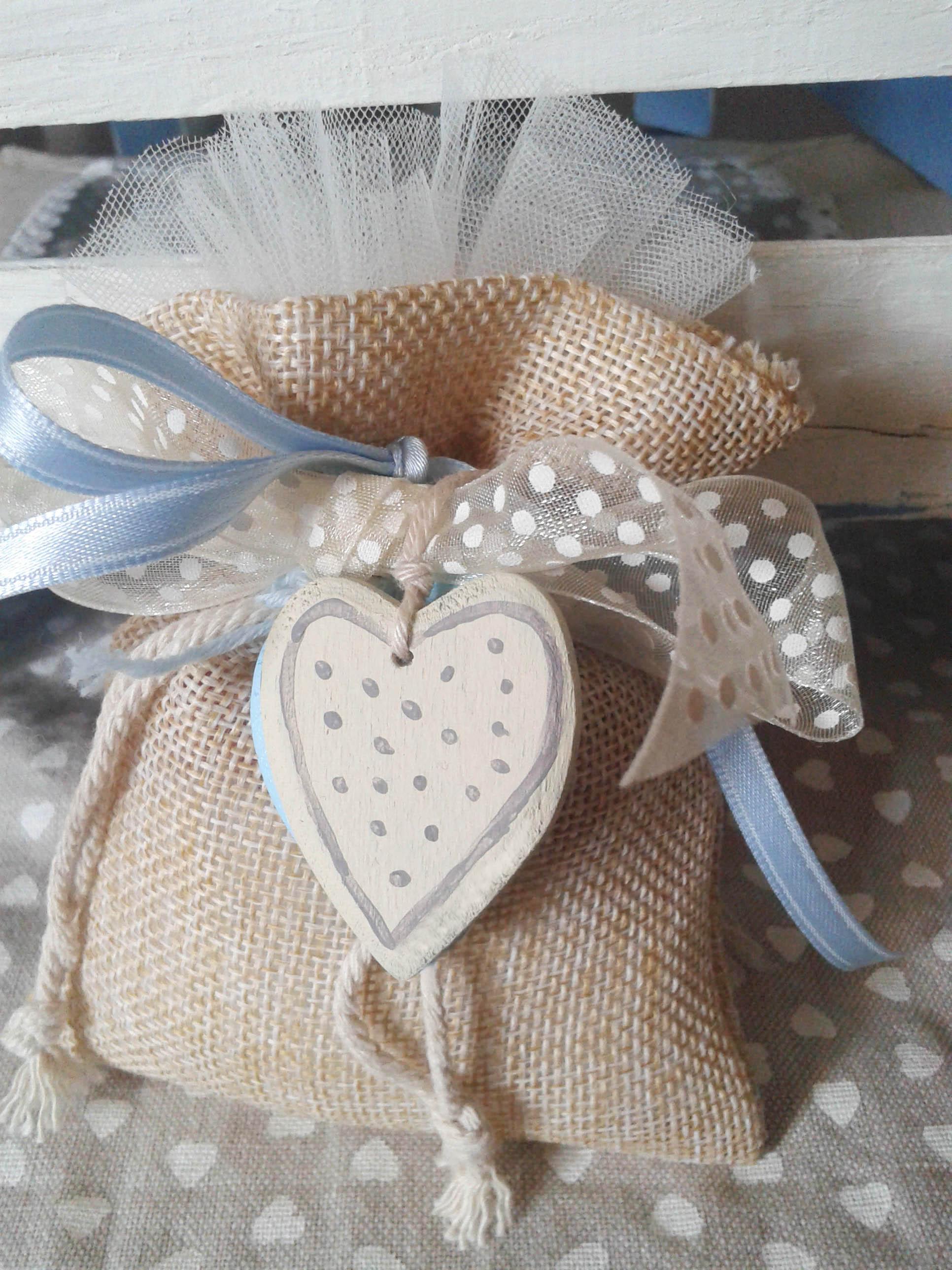 Bomboniera cuore legno dipinto