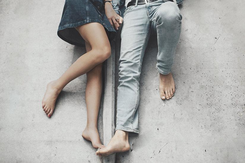 맨발의 커플