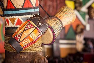 tambores-parque-cultural-lesedi.jpg