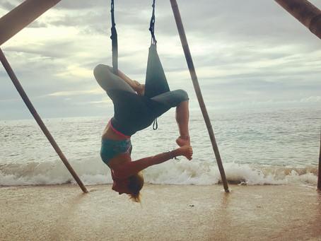 Profesora de yoga y azafata de vuelo