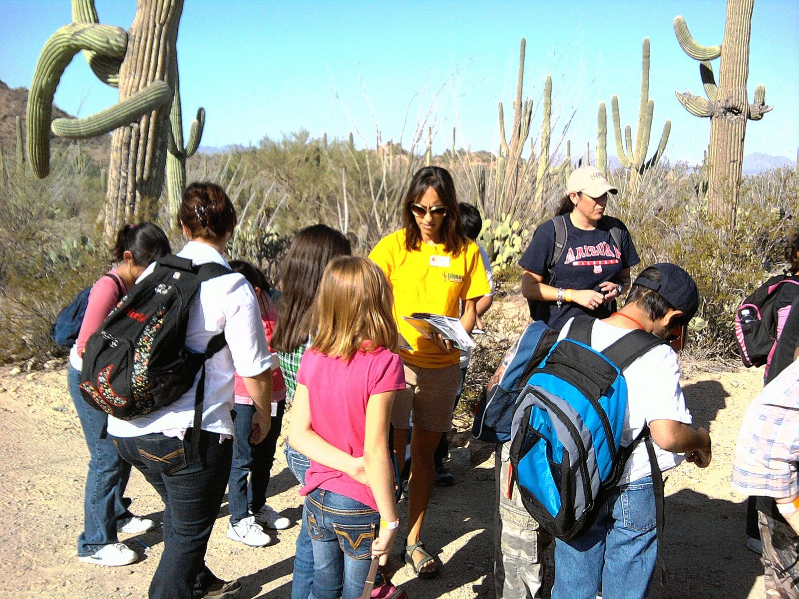 Bete-with-kids-at-BioBlitz