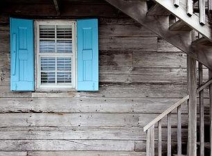 shutters-669296_1280.jpg