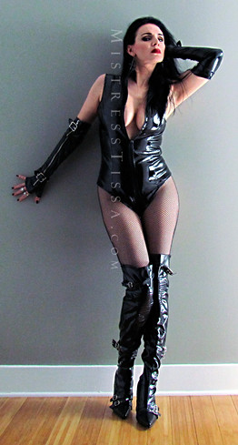 Mistress Tissa - Classic Dominatri
