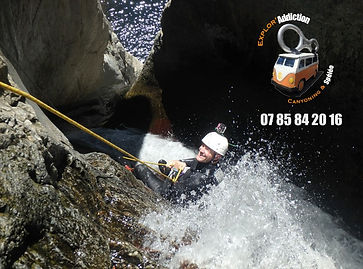 rappel cascade canyoning