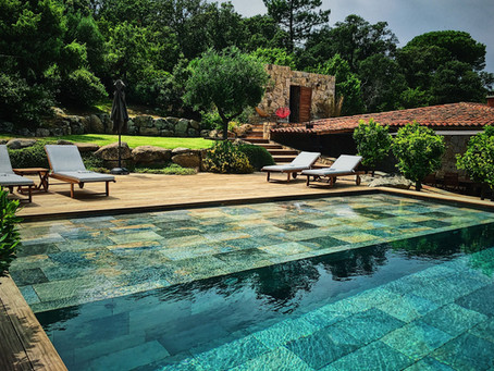 En quête d'une location de villa de luxe en Corse pour 4 personnes?