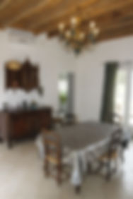 salle à manger_gite loupiot_mas de la vi