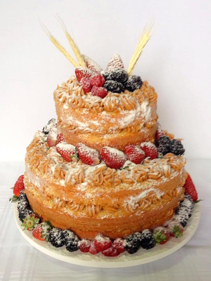 Naked Cake - Frutas Vermelhas