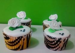 Cupcakes Rosas Brancas