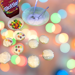 Christmas light cookies skittles.png