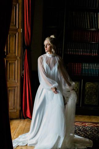 Amy Rose wearing Lihi Hod
