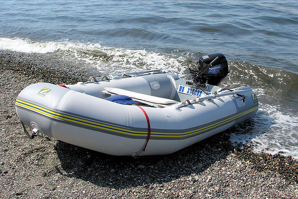 welded an bonded inflatable boat