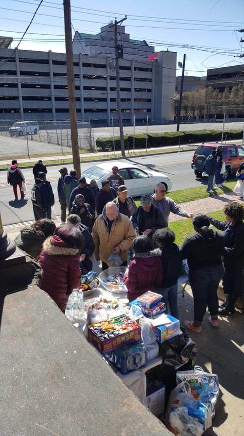 Photo of Sunday feeding at the Conservat