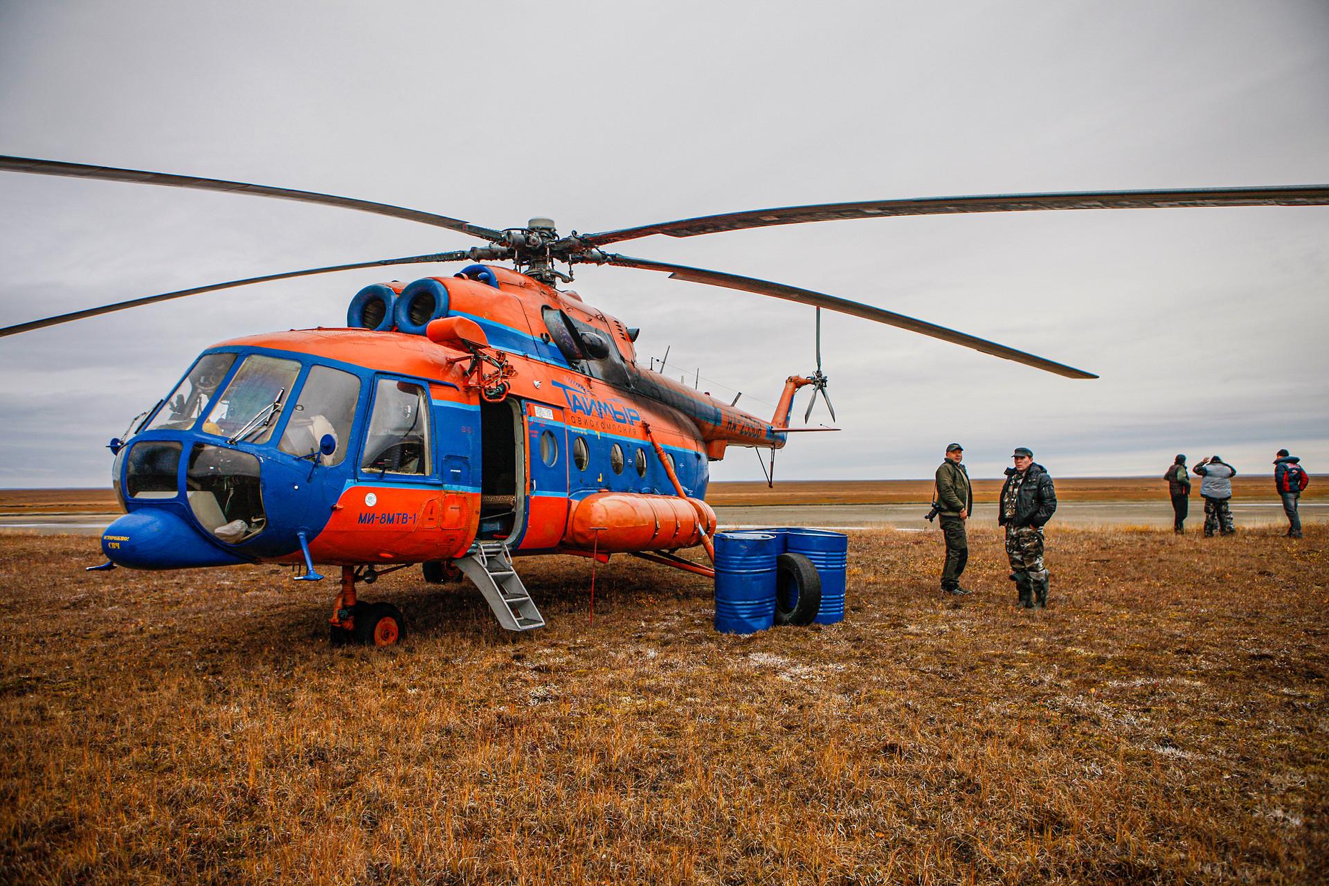 Вертолеты на Плато Путорана. Дозаправка