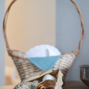 "Our breakfast basket ""nhami"""