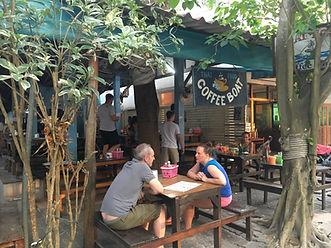 タオ島グルメ レストラン バンズダイビングコタオ
