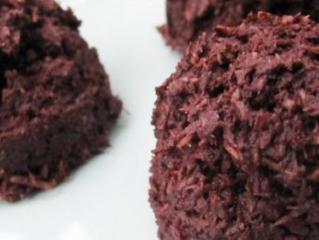 Raw Vegan Chocolate Macaroons!