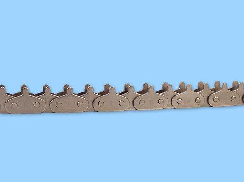 Cadena especial con accesorio eslabón interior y exterior en todos los pasos