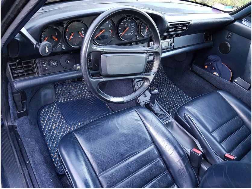 Porsche 964 leather interior