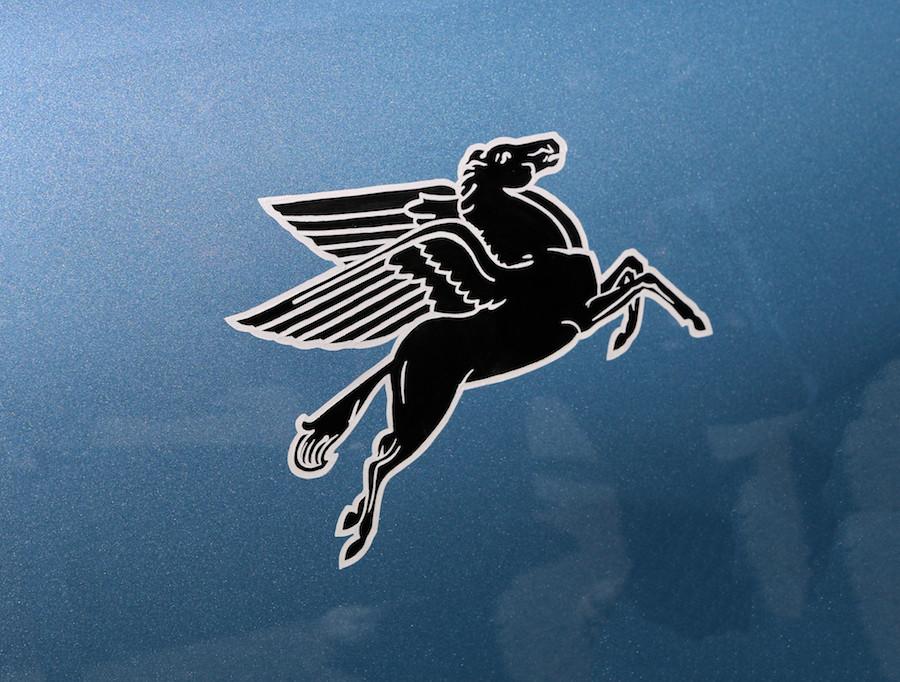 Porsche 356 Mobil Pegasus Fender Logo