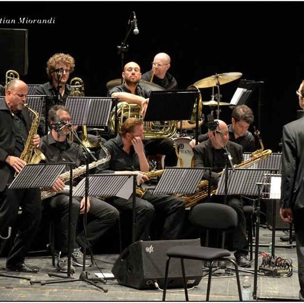 Luca Conducting big band