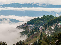 Lifting-the-fog-going-to-Darjeeling-to-s