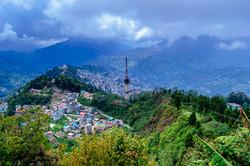 1200px-Bird's_eye_view_of_Gangtok_City_f