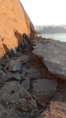 Pedra cai e interrompe acesso à Fortaleza de Santa Cruz, em Niterói