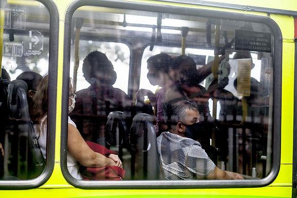 Empresas vão continuar com menos ônibus nas ruas até fim do ano
