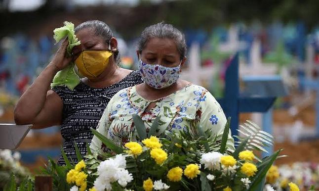 Cemitérios de Niterói ampliam área de enterros na pandemia de Covid