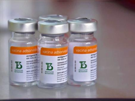 Efetividade da Coronavac chega a 99% 'na vida real', aponta estudo