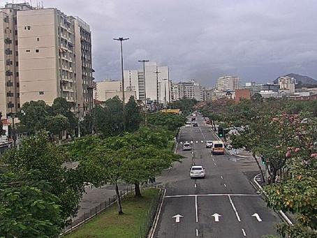 Feriadão será de chuva e frio em Niterói; tempo melhora a partir de quarta