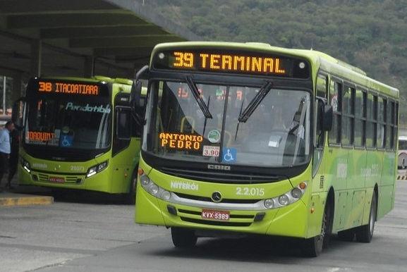 Rodoviários de Niterói rejeitam corte de salários e de benefícios