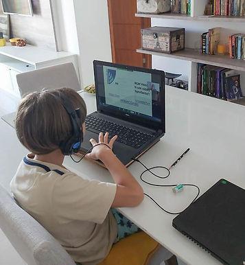 Em debate, aulas on-line e ensino a distância
