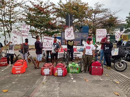 Entregadores de aplicativos protestam na pandemia em Niterói