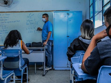 Escolas de Itaboraí voltam às aulas  presenciais com até 100% da capacidade
