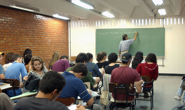 Escolas particulares do Estado do Rio querem retomar aulas antes