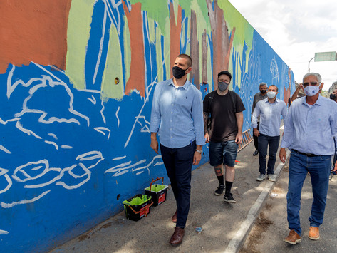 São Gonçalo quer arte do grafite nos viadutos no lugar de pichações e propaganda irregular