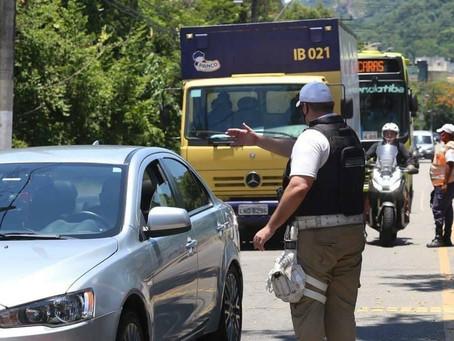 Barreiras em Niterói vão deter entrada de quem tiver febre e  sintomas de Covid