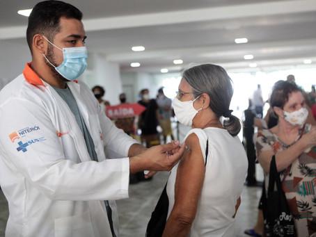 Um salto na produção de vacinas: Fiocruz vai fabricar princípio ativo da AstraZeneca
