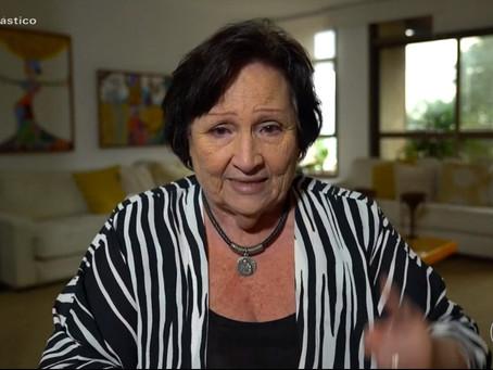 Em entrevista emocionante, Déa Lúcia fala de Paulo Gustavo: 'Ele foi muito amado'
