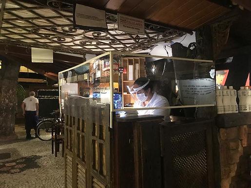 Restaurantes de Niterói reabrem com mais tecnologia e novas regras sanitárias