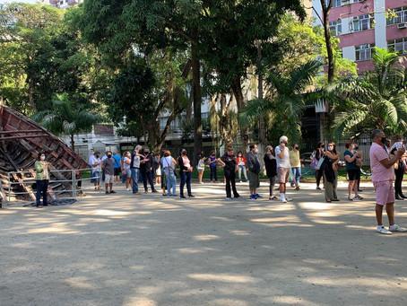 Campo de São Bento tem longas filas após posto de vacinação no Clube Central fechar