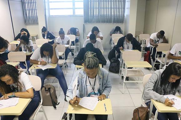 Escolas particulares de Niterói começam a reabrir para alunos do Ensino Médio dia 21