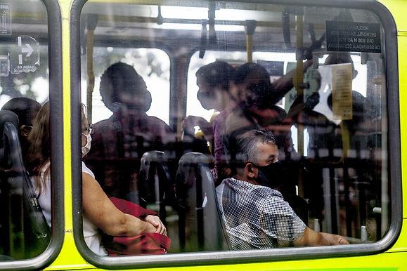 Pesquisa: para brasileiro sair é risco só aceitável para ir trabalhar