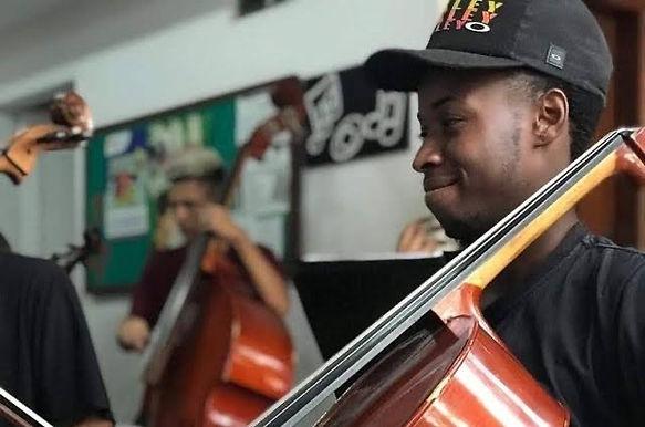Família e amigos dizem que músico da Grota foi preso por engano em Niterói