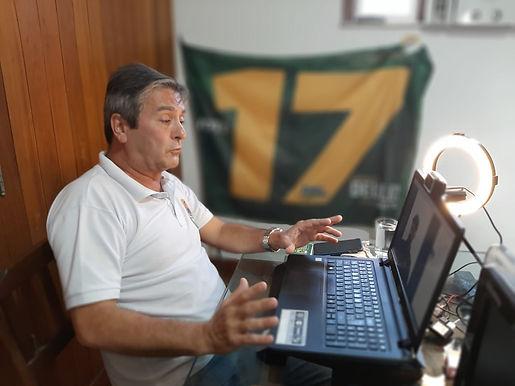 Deuler da Rocha, do PSL, quer fazer trem suspenso na orla de Niterói
